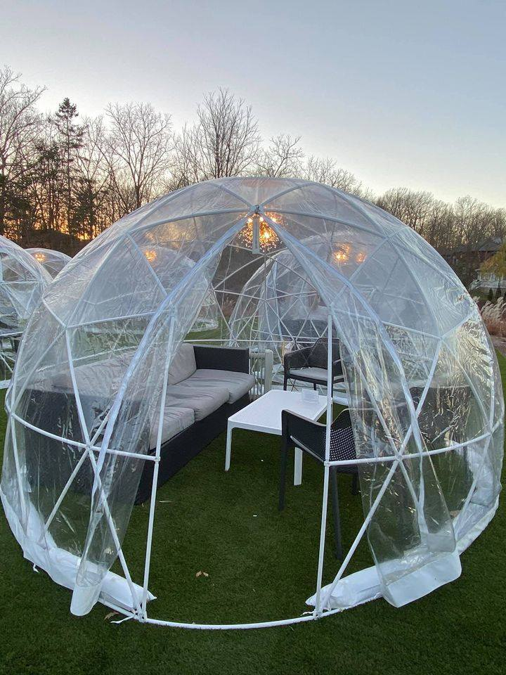 things to do outdoors in Niagara Fielding Winery Wine Dome Lougne